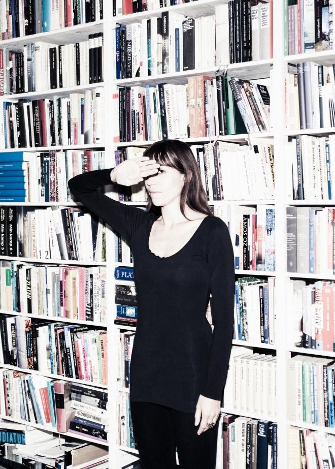 Kristina Stoltz er en dansk forfatterinde. Hun debuterede i 2000 med digtsamlingen Seriemordere og andre selvlysende blomsterkranse.